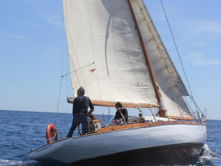 Celebrazione della barca a vela