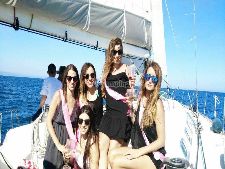 Addio al nubilato in barca