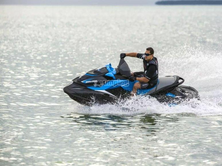 Conduce una moto de agua SeaDoo