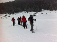 一整天在雪地攀登白雪皑皑的斜坡