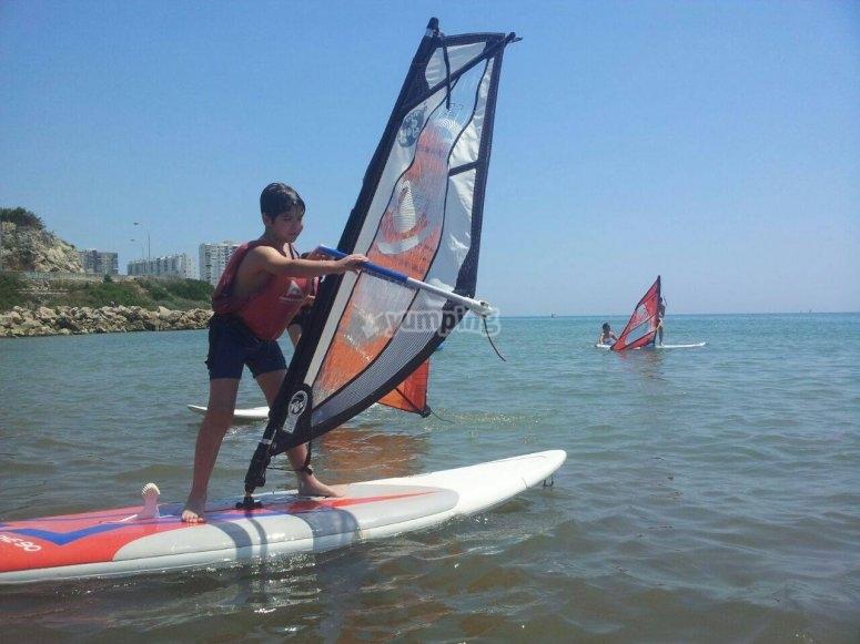 Dando una clase de windsurf