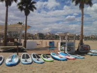 Tablas de paddle surf en la playa