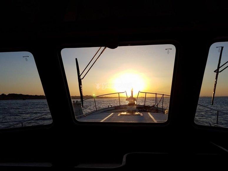 Barco puesta del sol