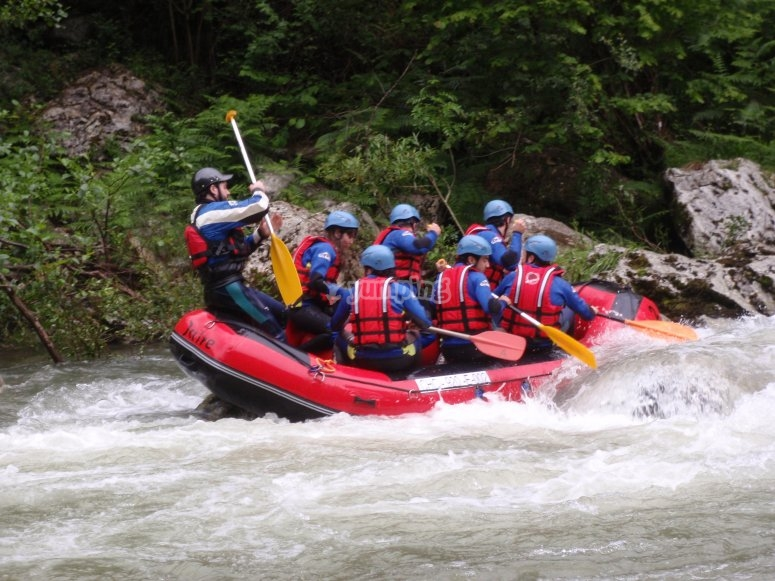 rafting y aguas bravas