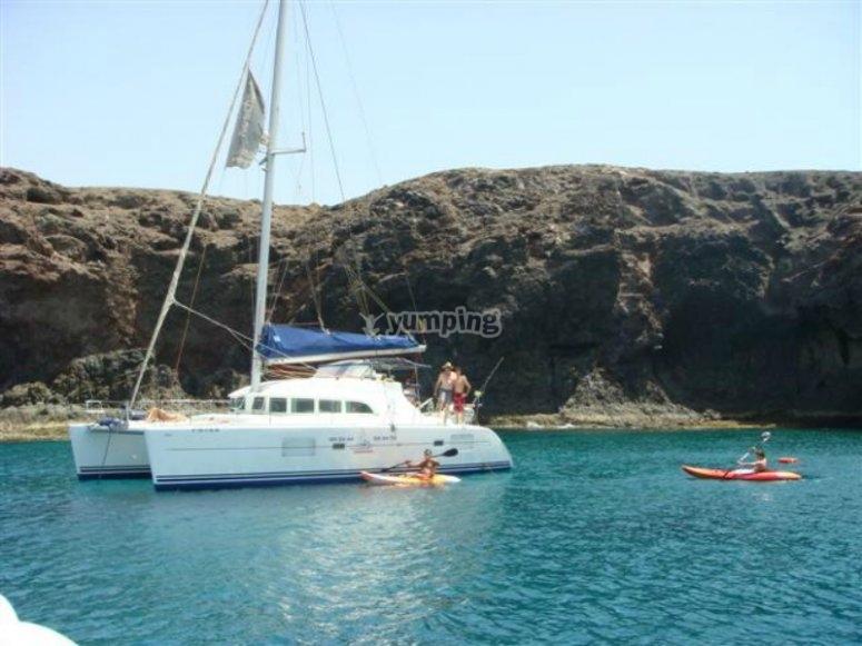 Disfruta de un día de navegación en Canarias