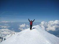 在阿尔卑斯山登山-勃朗峰