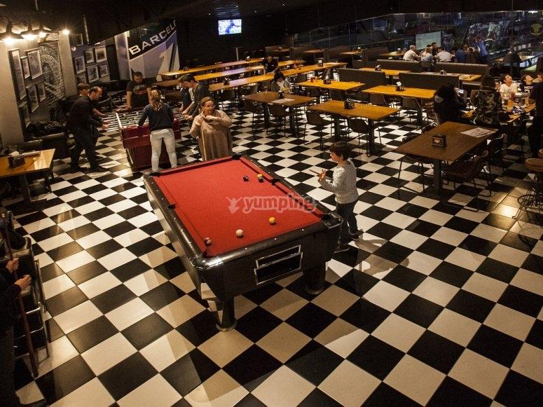 Salón de juegos y cafetería