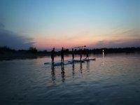 在Sant Pere Pescador划桨冲浪30分钟