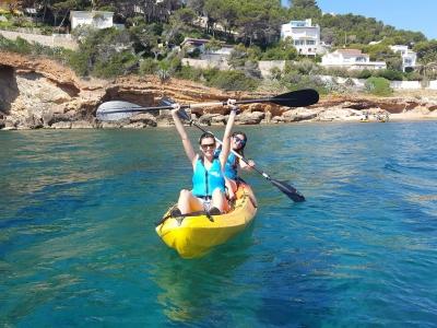 Denia皮划艇路线浮潜和洞穴儿童
