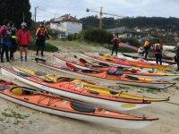 Preparing the crossing in kayak