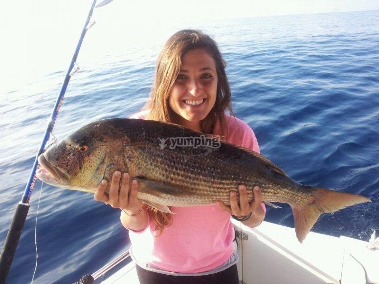 Diviertete pescando
