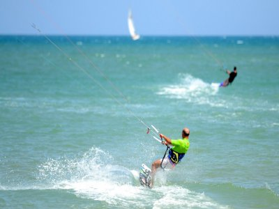 Alquiler de equipo completo  kitesurf 1h Guardamar