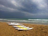 1h di noleggio tavola da surf / SUP, Guardamar del Segura