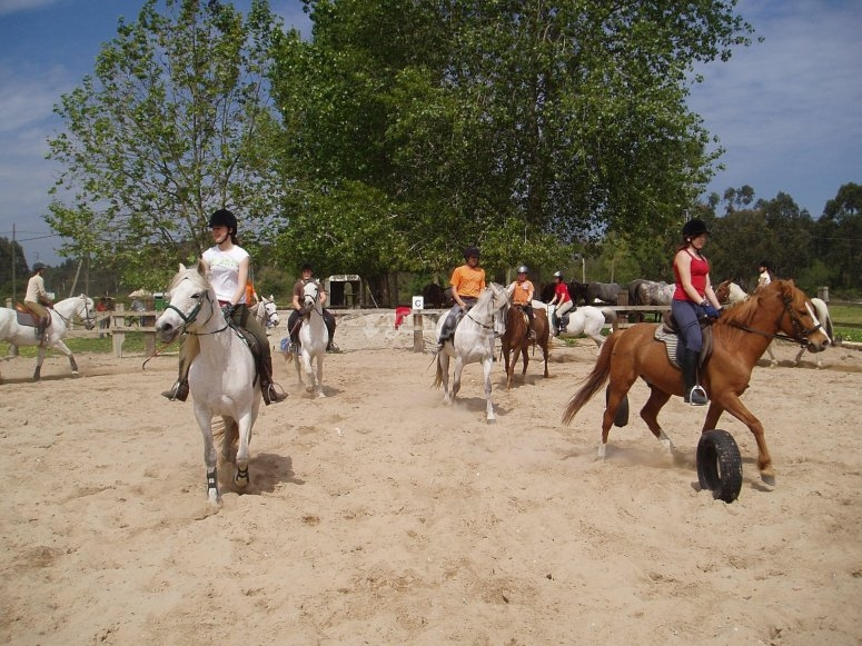 Montando a caballo en Laredo