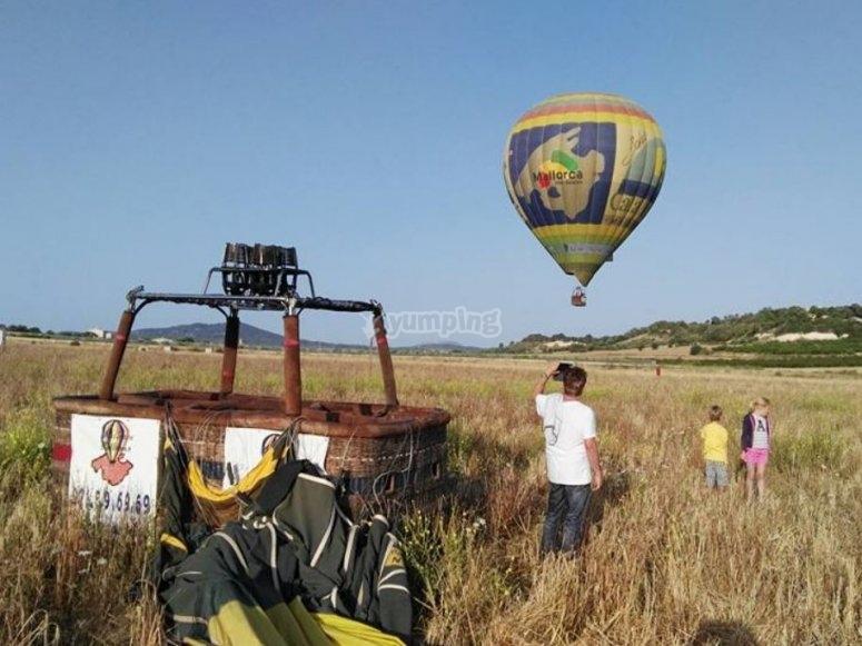 在气球中起飞前的照片