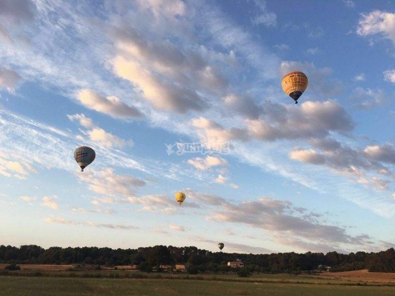 气球上升的天空气球气球马洛卡在现场