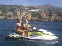 Recorriendo el litoral malagueño en moto de agua