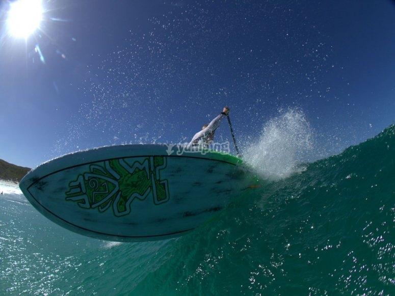 Emocionante paddle surf