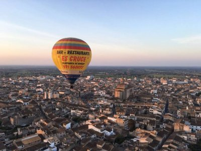 Private hot air balloon flight in Palma city