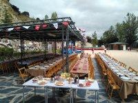 Ottimo team building nel cibo e nell'open bar di Segovia