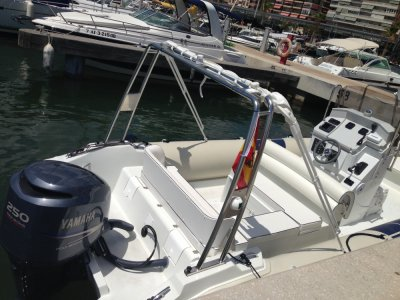 Flyer 747 motorboat rental in Santa Pola 4 hour