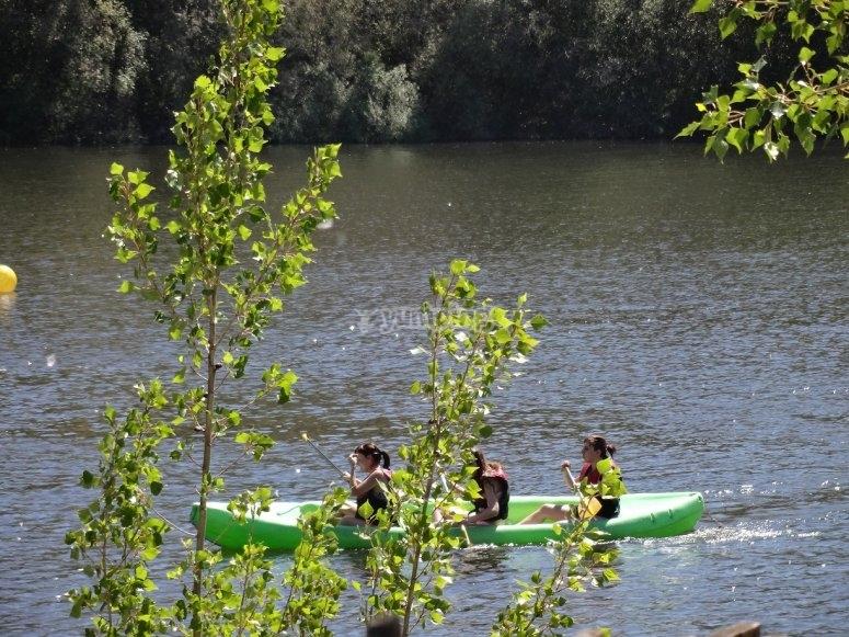ven a nuestras canoas