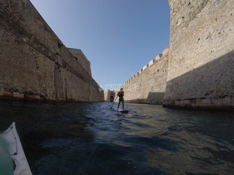Haciendo Paddle Surf en Ceuta