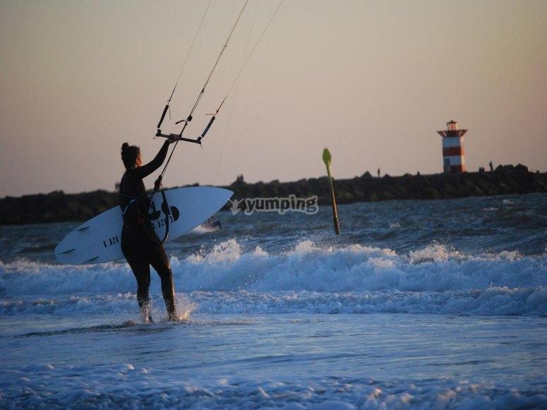 发现风筝冲浪