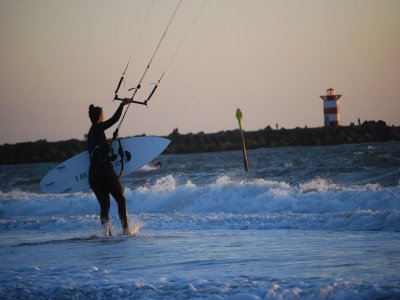 Curso kitesurf en Costa Cabana, Almería, 1h
