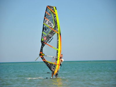 Alquiler material completo windsurf 1h Guardamar