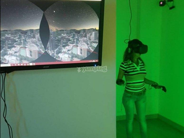 带虚拟现实游戏的监控