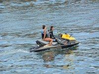 Moto de agua en El Playazo