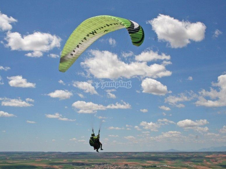 Sesion de vuelo en parapente biplaza