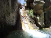 Cayendo por la cascada