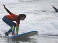 Mantenimento dell'equilibrio sulla tavola da surf