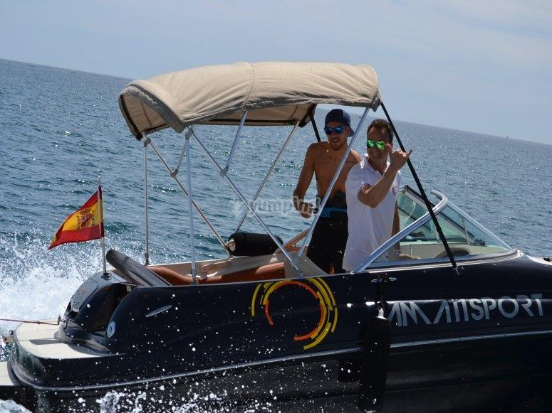 Embarcación con patrón en Benalmádena