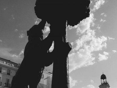 Attraversa la tradizionale degustazione di tapas e Madrid