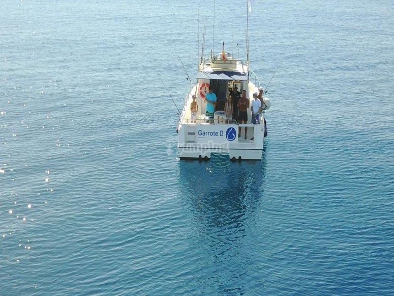 Embarcación de alquiler para pesca