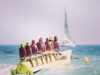 A bordo de la banana junto al velero