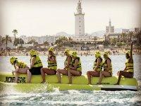 Risas a bordo de la banana boat