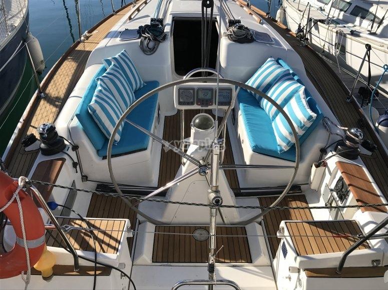 Dufour 40 deck
