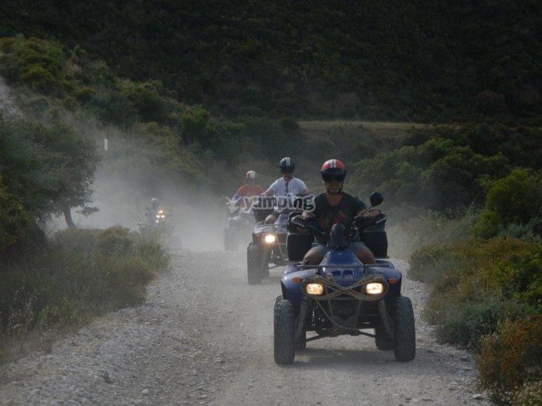 Excursión en quad con amigos por Marbella
