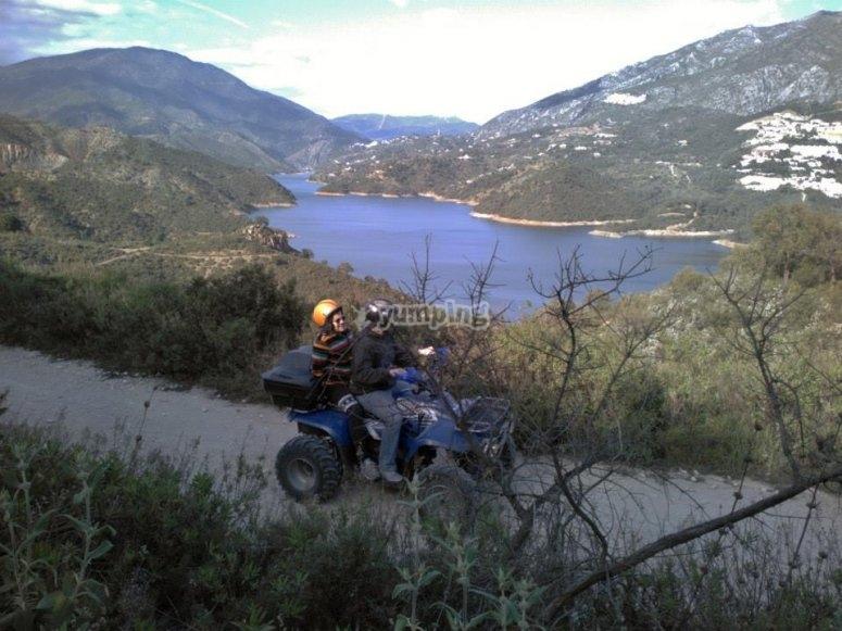 Montando en quad biplaza por la Sierra de las Nieves