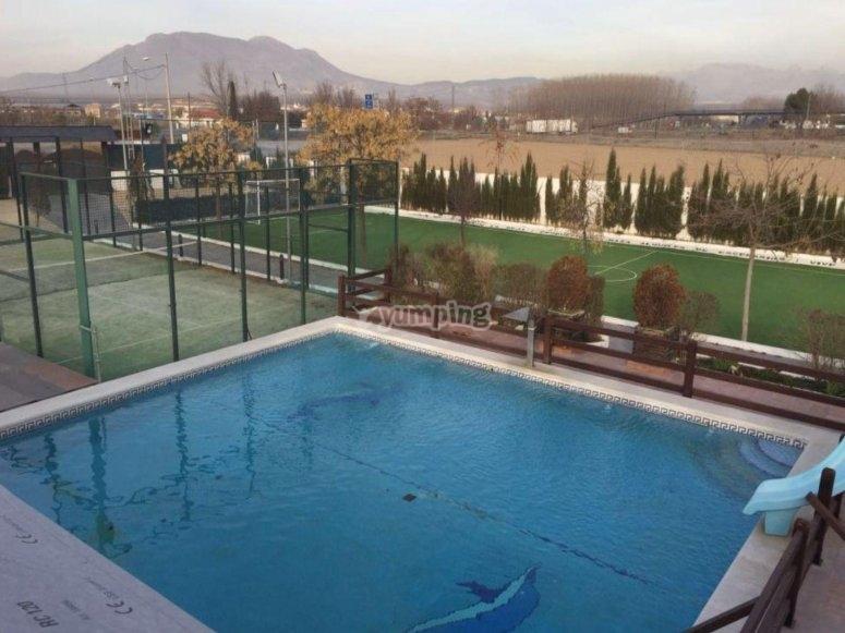 大型游泳池