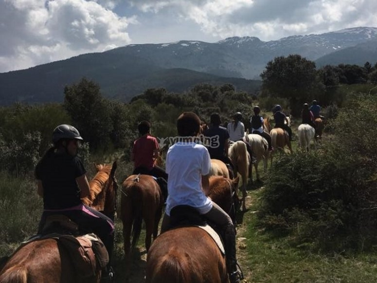 A horse riding trip in the mountains
