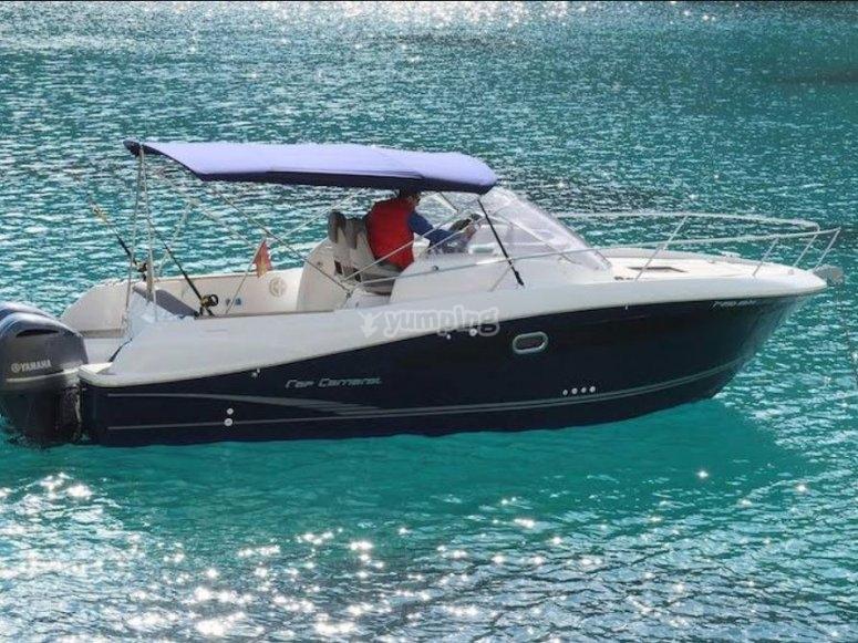 Sali a bordo della nostra barca