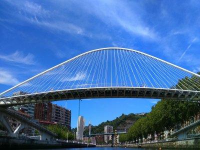 Alquiler de embarcación y turismo en Bilbao 1 hora