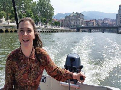 Clase de navegación y turística por Bilbao, 90 min