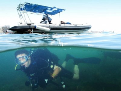 Alquila embarcación semi rígida peque Alacant 8-10