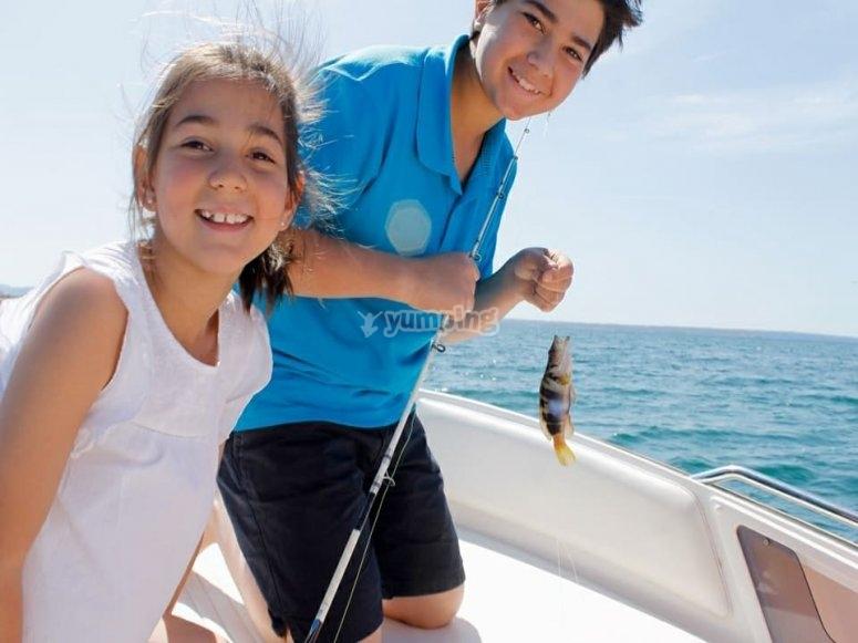 Jovenes pescadores